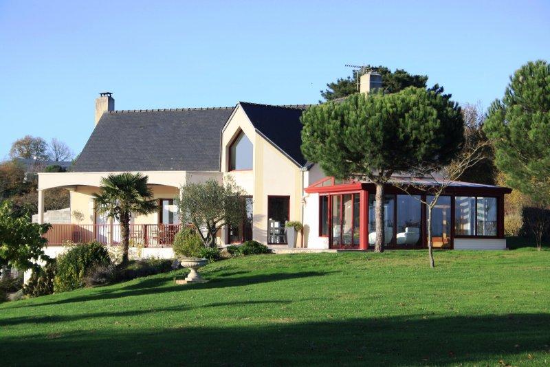 Vente maison d architecte de 200 m for Garage ad oudon