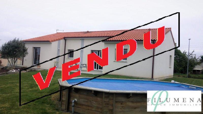 Vente filumena magnifique maison familiale for Garage ad oudon